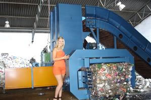 Medium Size Automatic Horizontal Baling Press